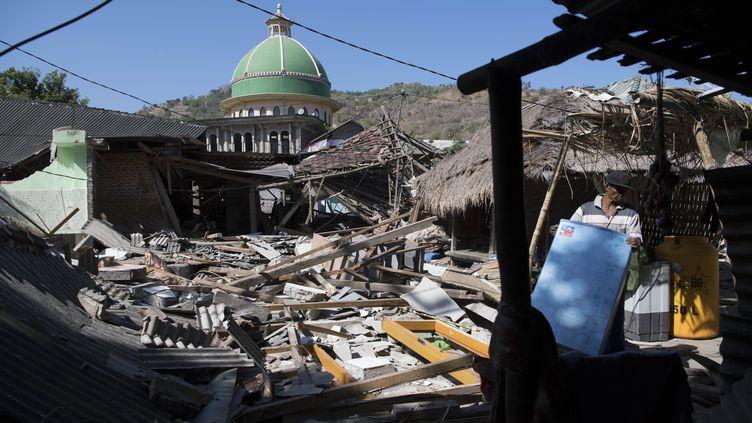 Près de dix jours après le séisme sur l'île de Lombok en Indonésie, l'aide peine encore à arriver. (LUI SIU WAI / XINHUA)