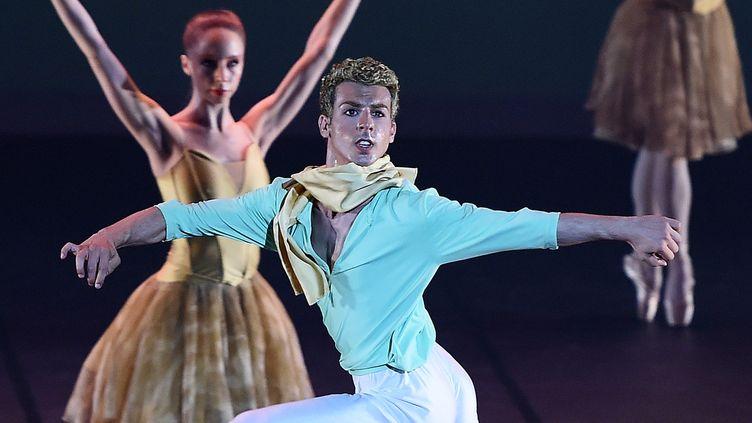 Le Petit-Prince, adapté par une chorégraphie de François Mauduit, au Grand Théâtre d'Albi, le 24 juillet 2015.  (STEPHANE DE SAKUTIN / AFP)