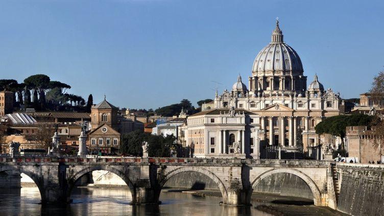 La basilique Saint-Pierre de Rome et le pont Saint Ange au Vatican. (MANUEL COHEN / MANUEL COHEN)