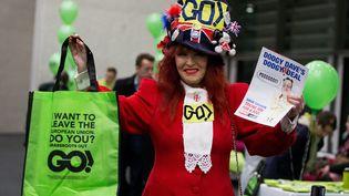 Une Britannique partisane de la sortie du Royaume-Uni de l'UE, en marge d'une réunion publique à Londres, le 19 février 2016. (MAXPPP)
