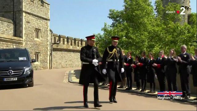 L'arrivée du prince Harry et de son frère William