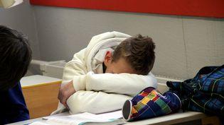 Un élève endormi en classe. (MAXPPP)