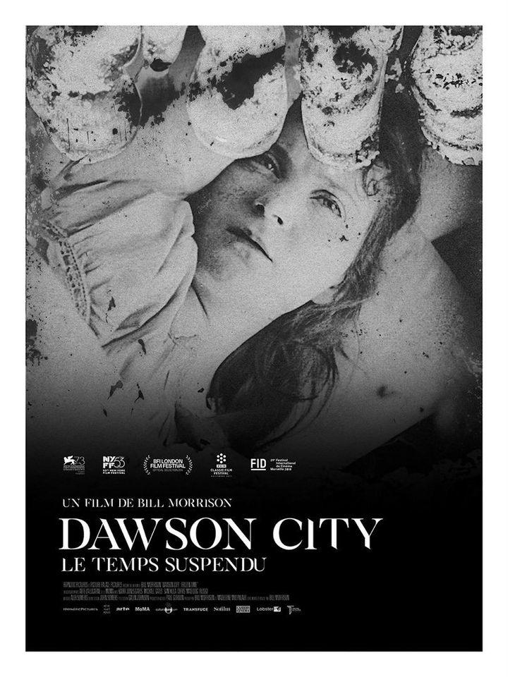 """L'affiche de """"Dowson City : Le Temps suspendu"""" deBill Morrison. (Théâtre du Temple)"""