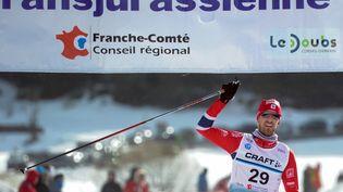 Le Français Mathias Wibault après avoir remporté la 36e édition de la Transjurassienne en 2014 (SEBASTIEN BOZON / AFP)