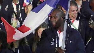 Jeux olympiques : le porte-drapeau, un champion qui doit mener sa délégation vers la victoire (France 2)