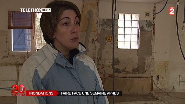 Julie Doutres vit à Sigean (Aude). Sa maison a été dévastée par les intempéries. ( FRANCE 2)
