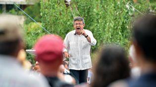 Jean-Luc Mélenchon lors d'un meeting à Toulouse (Haute-Garonne), le 28 août 2016. (REMY GABALDA / AFP)