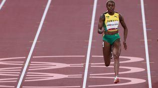 La JamaïcaineElaine Thompson-Herahsur le 100m des Jo de Tokyo, le 31 juillet 2021. (GIUSEPPE CACACE / AFP)