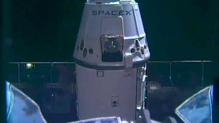 La capsule Dragon arrive à la Station spatiale internationale (ISS), le 10 avril 2016. (NASA)