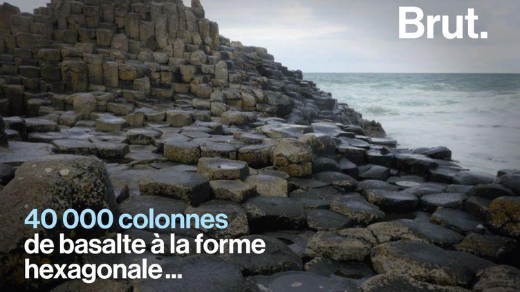 VIDEO. La Chaussée des Géants, une impressionnante curiosité naturelle en Irlande du Nord (BRUT)