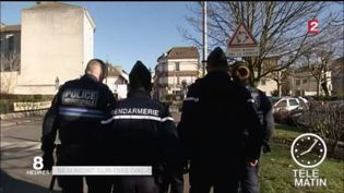 Police municipale et gendarmerie patrouillent ensemble à Beaumont-sur-Oise (FRANCE 2)