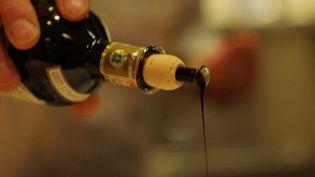 Gastronomie : le vinaigre balsamique, l'or noir de Modène (France 2)