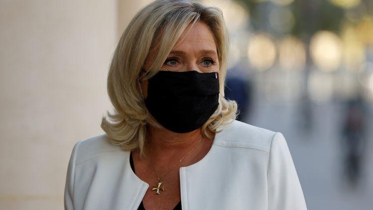 La présidente du Rassemblement national, Marine Le Pen, à Paris le 22 septembre 2020. (LUDOVIC MARIN / AFP)