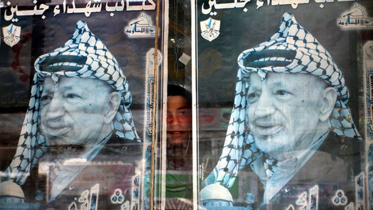 (Une enquête pour assassinat était ouverte à la demande de la veuve de Yasser Arafat, décédé en France en 2004. © Maxppp)