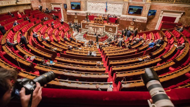 Une vue de l'Assemblée nationale, à Paris, le 27 janvier 2016, avant la séance de questions au gouvernement. (YANN KORBI / CITIZENSID / AFP)