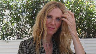 L'actrice et réalisatrice Sandrine KIberlain, le 9 juillet 2021 à la Terrasse Albane à Cannes.  (LCA / FRANCEINFO)
