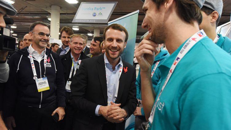 Emmanuel Macron, lors du Consumer Electronics Show (CES) de Las Vegas (Etats-Unis), le 7 janvier 2016.  (ROBYN BECK / AFP)