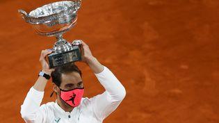 L'Espagnol Rafael Nadal a remporté son treizèmeRoland-Garros, le 11 octobre 2020.  (THOMAS SAMSON / AFP)