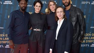 Le réalisateur Ladj Ly, les actricesNoemie Merlant et Adele Haenel, la cinéaste Celine Sciamma et l'acteur Djibril Zonga, le 4 janvier 2020, à Los Angeles (Etats-Unis). (GREGG DEGUIRE / GETTY IMAGES NORTH AMERICA / AFP)