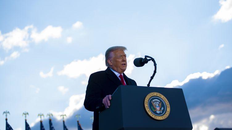 Donald Trump s'exprime depuis la base d'Andrews (Etats-Unis), le 20 janvier 2021. (EYEPRESS NEWS / AFP)