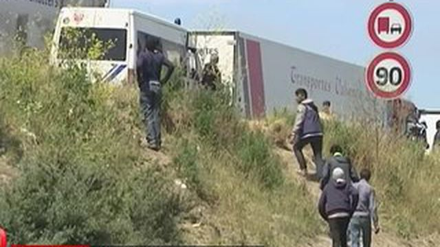 La France et l'Angleterre réagissent face aux drames de la migration