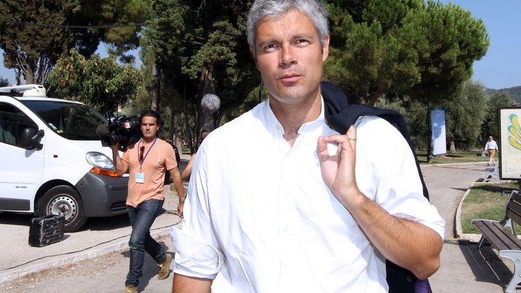 """Laurent Wauquiez, à Nice (Alpes-Maritimes) lors de la première réunion de l'association """"Les amis de Nicolas Sarkozy"""", le 24 août 2012. (VALERY HACHE / AFP)"""