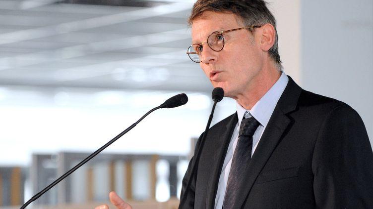 Vincent Peillon, ministre de l'Education nationale, lors d'une conférence de presse à Poitiers (Vienne), le 3 février 2014. (GUILLAUME SOUVANT / AFP)