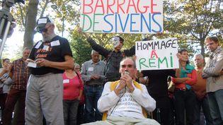 Une manifestation en hommage à Rémi Fraisse à Albi (Tarn), le 27 octobre 2014, après la mort du jeune homme sur le site du barrage de Sivens. (MAXPPP)