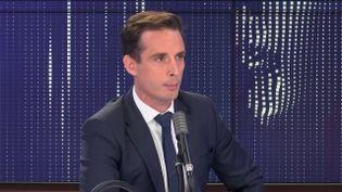 """Jean-Baptiste Djebbari, ministre délégué aux Transports, était l'invité du """"8h30 franceinfo"""", lundi 7 septembre 2020. (FRANCEINFO / RADIOFRANCE)"""