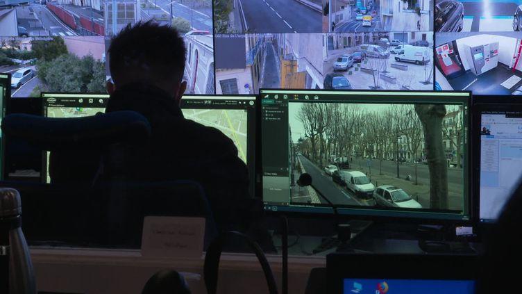 Des caméras de surveillance et de shauts-parleursins installés à Béziers (France 3)