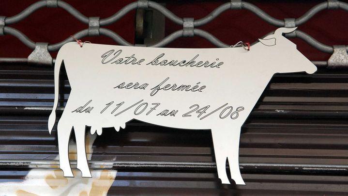 Une boucherie parisienne fermée durant l'été, août 2011. ( FLORENCE DURAND / SIPA)