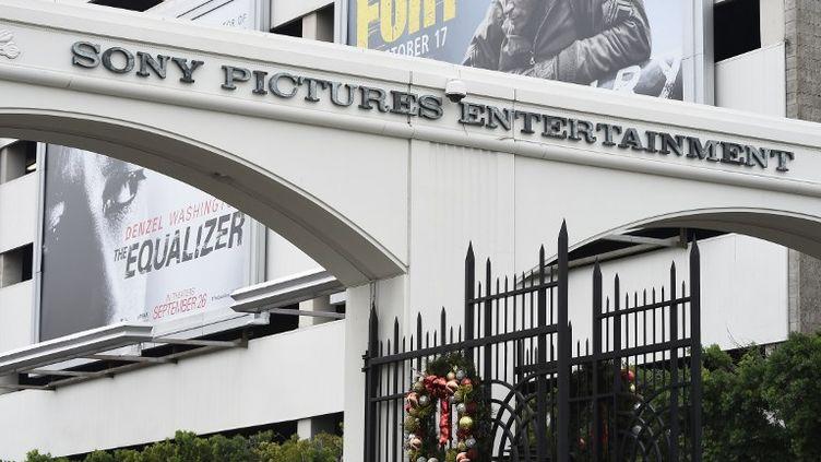 L'enseigne Sony pictures Studios à Culver Cicty (Californie, États-Unis), le 16 décembre 2014. (STR / AFP)