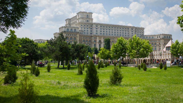 Le Parlement à Bucarest, en Roumanie (illustration). (SIMON DAVAL / MAXPPP)