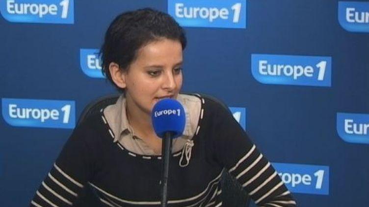 Najat Belkacem, porte-parole de François Hollande, sur Europe 1, le 17 février 2012. (FTVI / EUROPE 1)