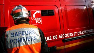 Le corps de la victime a été retrouvé à environ 5 kilomètres de l'endroit de sa chute dans la rivière.Image d'illustration d'un pompier en intervention. (MAXPPP)