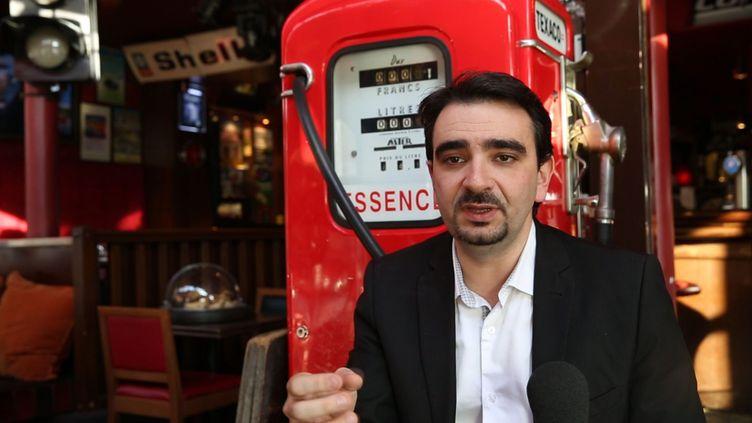 Pierre Chasseray, délégué général de 40 millions d'automobilistes, le 5 décembre 2013 à Paris. (YANN FOREIX / MAXPPP)