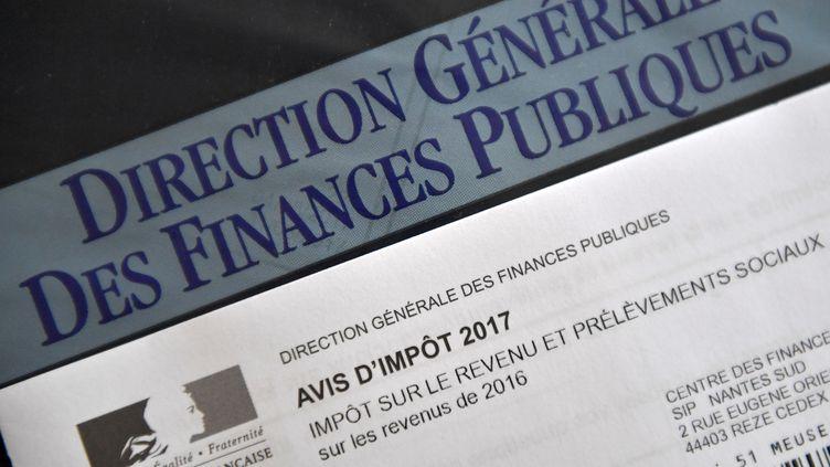 Illustration d'un avis d'impôt en 2017. (LOIC VENANCE / AFP)