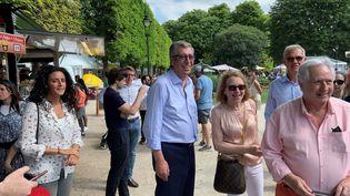 """Patrick Balkany lors de sa visite de la""""Fête de l'été"""" deLevallois-Perret, samedi 22 juin 2019. (TIMOUR OZTURK / RADIO FRANCE)"""