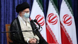 L'ayatollah Ali Khamenei s'exprimant devant les athlètes olympiques et paralympiques iraniens. (- / KHAMENEI.IR)