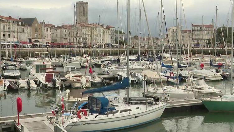 Covid-19 : contaminations en baisse en Charente-Maritime, l'ARS appelle à la prudence (France 2)
