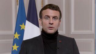 Capture d'écran d'une vidéo postée sur le compte Twitter d'Emmanuel Macron, le 23 janvier 2021. (EMMANUEL MACRON / TWITTER)