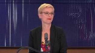 Clémentine Autain, députée Insoumise, était l'invitée de franceinfo mercredi 8 juillet. (FRANCEINFO / RADIOFRANCE)