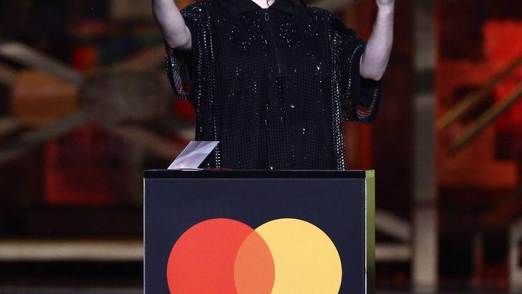La chanteuse Billie Eilish sur la scène des Brit Awards, Londres, 18 février 2020 (JOEL C RYAN/AP/SIPA / SIPA)