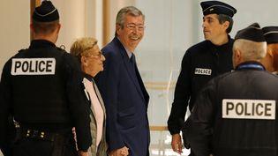 Patrick et Isabelle Balkany arrivent au tribunal, à Paris, le 13 septembre 2019. (THOMAS SAMSON / AFP)