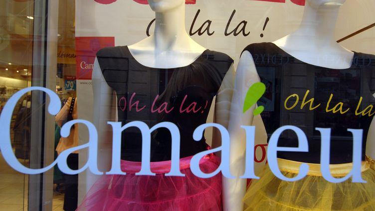 Une vitrine d'un magasin Camaïeu. Photo d'illustration. (MYCHELE DANIAU / AFP)