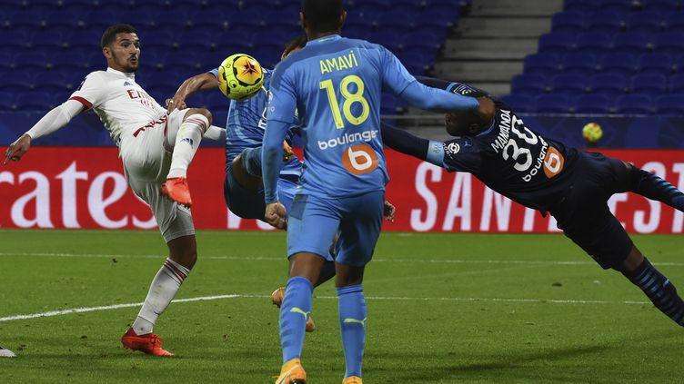 Mandanda a encore réussi un bon match avec l'OM (JEAN-PHILIPPE KSIAZEK / AFP)