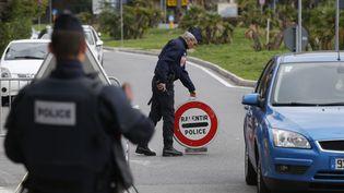 Un poste de contrôle de police à la frontière avec l'Italie, le 17 novembre 2015. (VALERY HACHE / AFP)