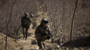 Des soldats français du 7e bataillon de chasseurs alpins en Kapisa (Afghanistan) le 26 janvier 2011. (JOEL SAGET / AFP)