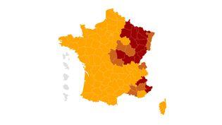 Une dizaine denouveaux départements pourraient être soumis à un couvre-feu avancé dès 18 heures à partir du 10 janvier. (FRANCEINFO)