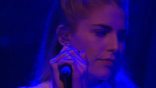 Hannah Reid de London Grammar à La Cigale (Festival des Inrocks) le 9 novembre 2013.  (Culturebox)